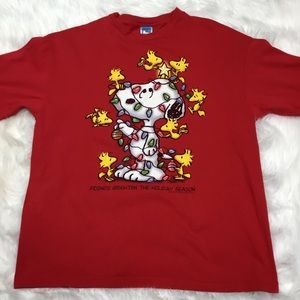 Peanuts Christmas short sleeve tee size  XL